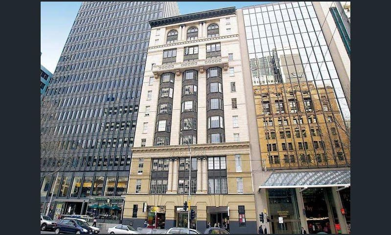 Collins Street : Whole Apartment!