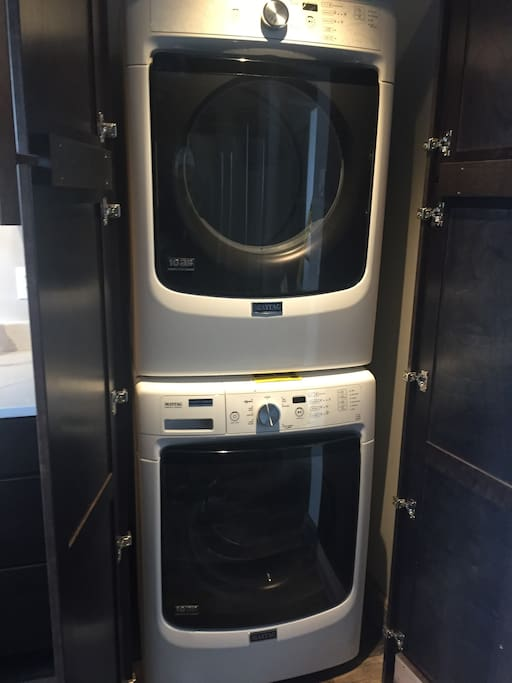 Brand new full-sized washer/dryer