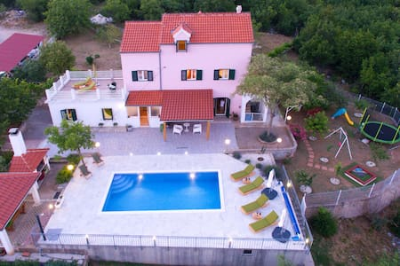 Holiday home Koprivno