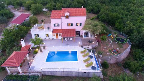 Holiday home Koprivno