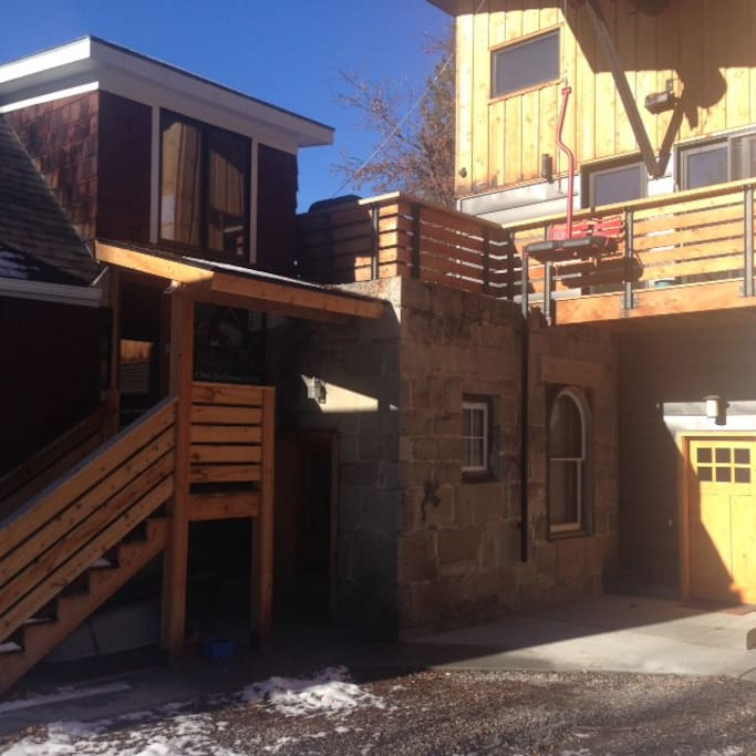 Downtown red chair retreat apartments for rent in bozeman montana united states for One bedroom apartments in bozeman mt