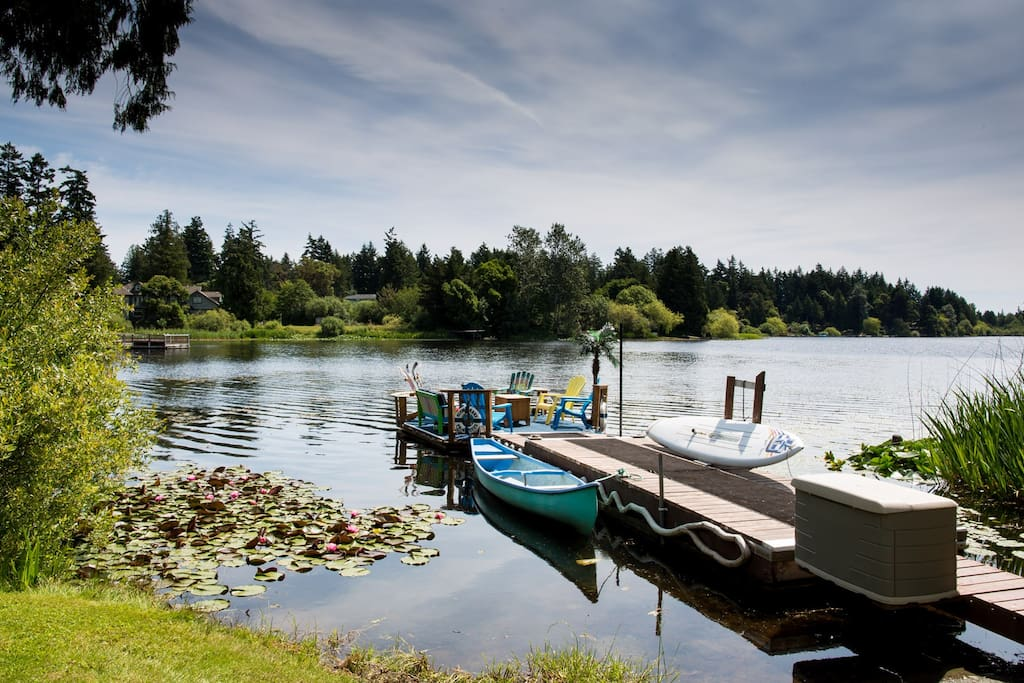 Private dock with a motorized raft (The Princess), 2 canoes, 2 SUP boards,1 kayak, rope swing and dock box with life jackets 2-90.  Warm spring fed water.