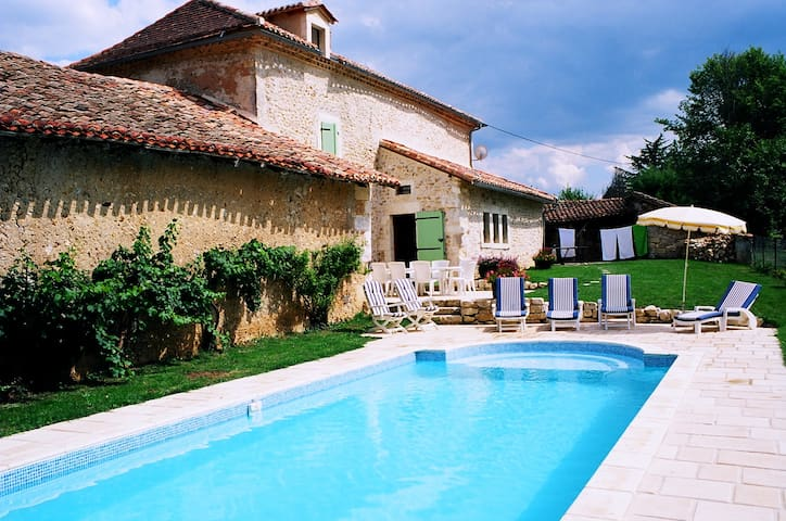 16th Cent. Farmhouse w/ Heated Pool - Saint-Maime-de-Péreyrol - Huis