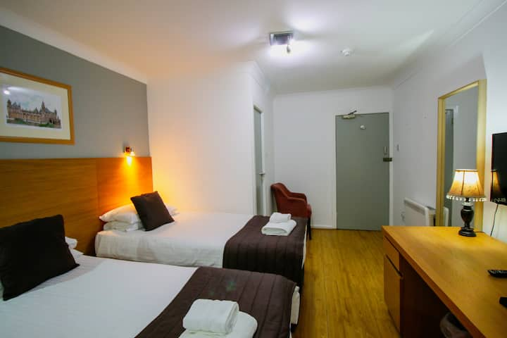 Twin En-suite Rooms in Glasgow City Centre