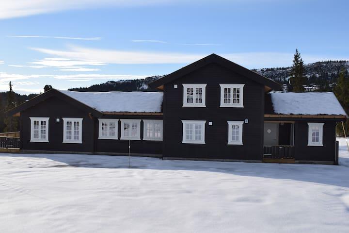 9-sengs hytte på Skeikampen