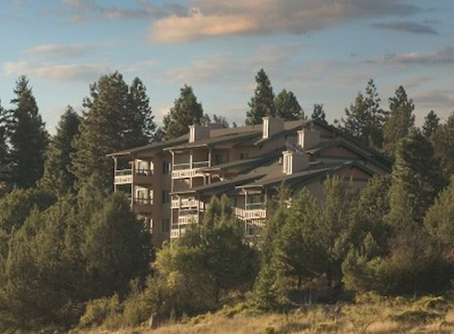 Oregon-Running Y Resort 2 Bdrm Chalet