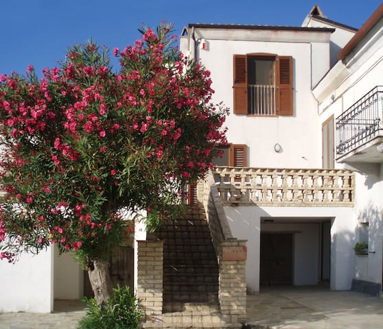 Farmhouse flat Contrada Lazzaretto  - Ortona - Daire