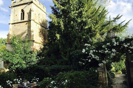 Stone Barn Studio, Ampney Park, Cirencester - Ampney Crucis