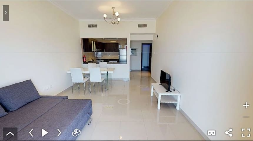1 Bedroom Hall Apartment for Rent