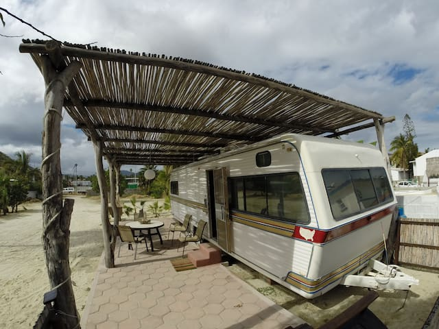 "Beachfront RV ""Cachalote"" - Los Barriles - รถบ้าน/รถ RV"