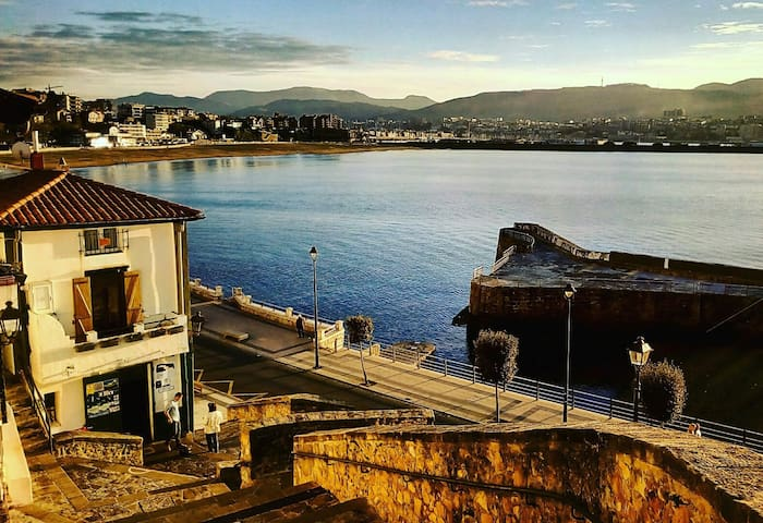 Sea & Sun Algorta, renewed private double room - Getxo - Pis
