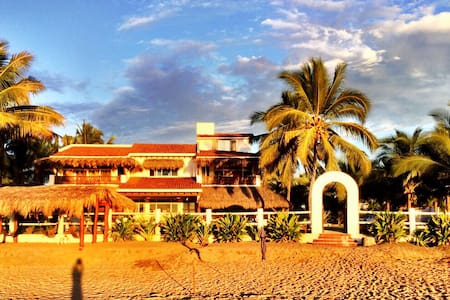 "Luxury Beach Front ""Villa Del Mar"" - Playa Blanca - House"