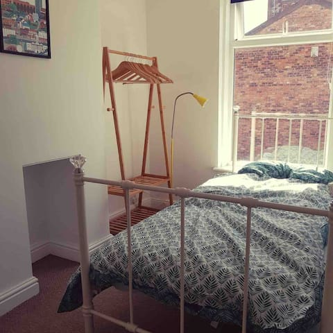 Cosy Single + Victorian Home + Fab Transport Links