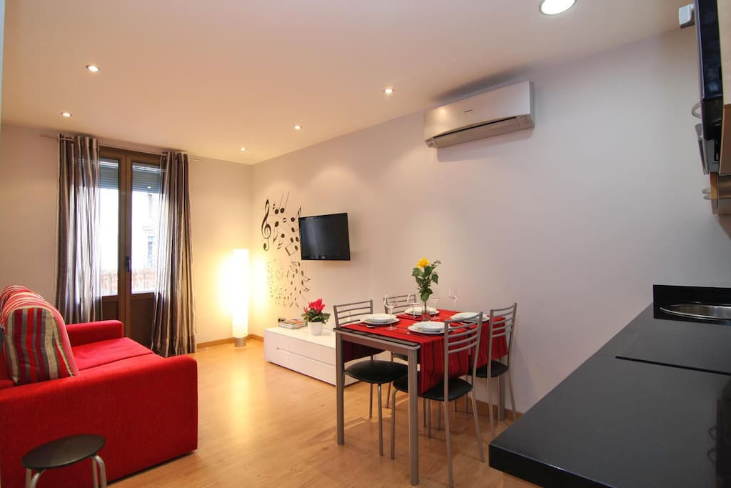 Ideal apartment in central apartments for rent in for Central apartments barcelona