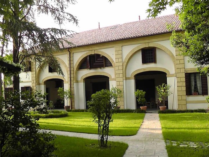 Barchessa di Villa Benedetti Tomé