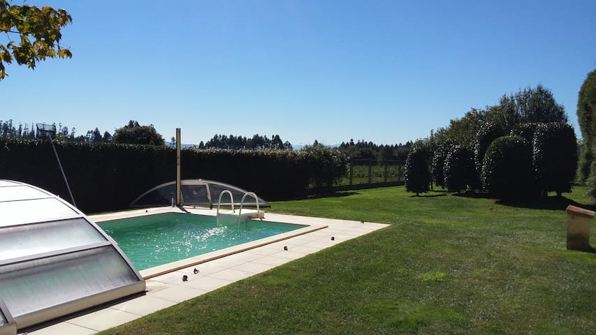 Chalet  con piscina 6000 m - O Pino - Chalet