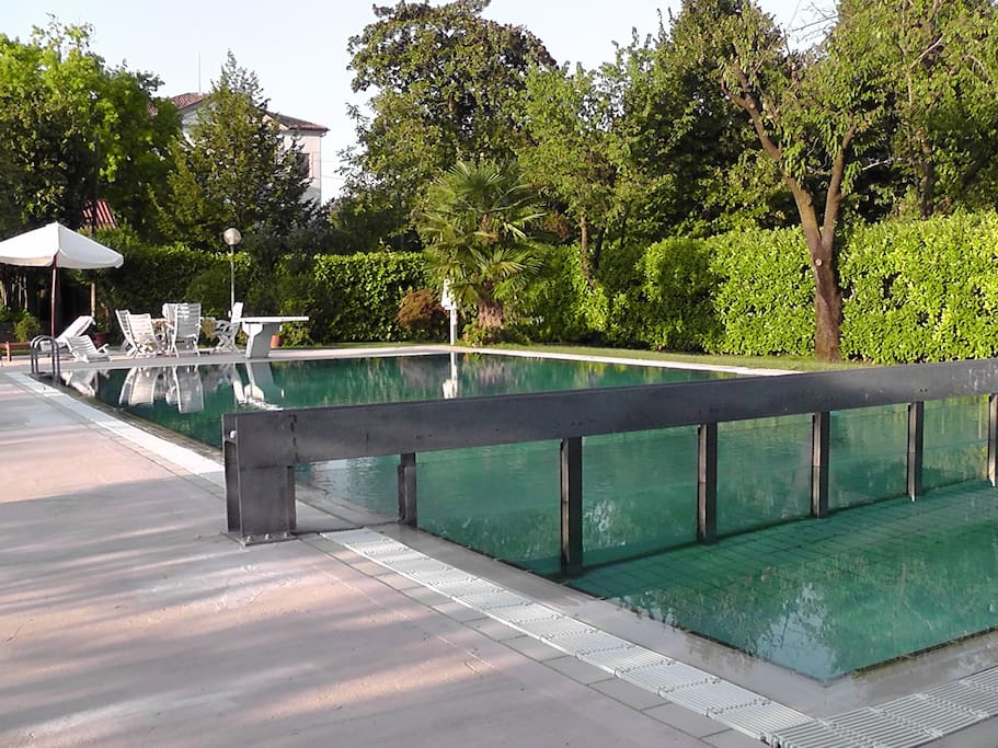 Piscina riscaldata/warm side swimming pool
