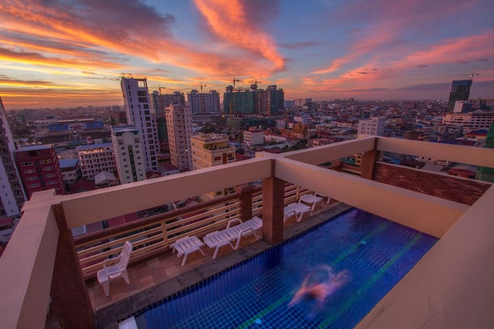 BaanNoi☆City apt w pool.gym.oasis.charm - Phnom Penh - Appartement