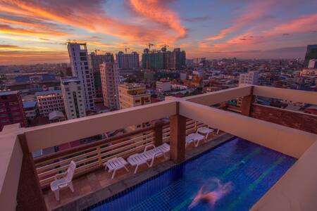 BaanNoi☆City apt w pool.gym.oasis.charm - Phnom Penh