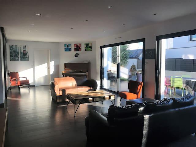 Maison moderne de 200m2, plage et centre à 200m - Larmor-Plage - House