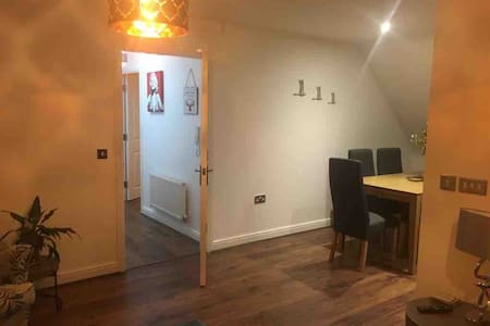 Newly furnished Shrewsbury town centre apartment.