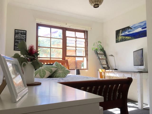Charming double room at Maroubra Beach