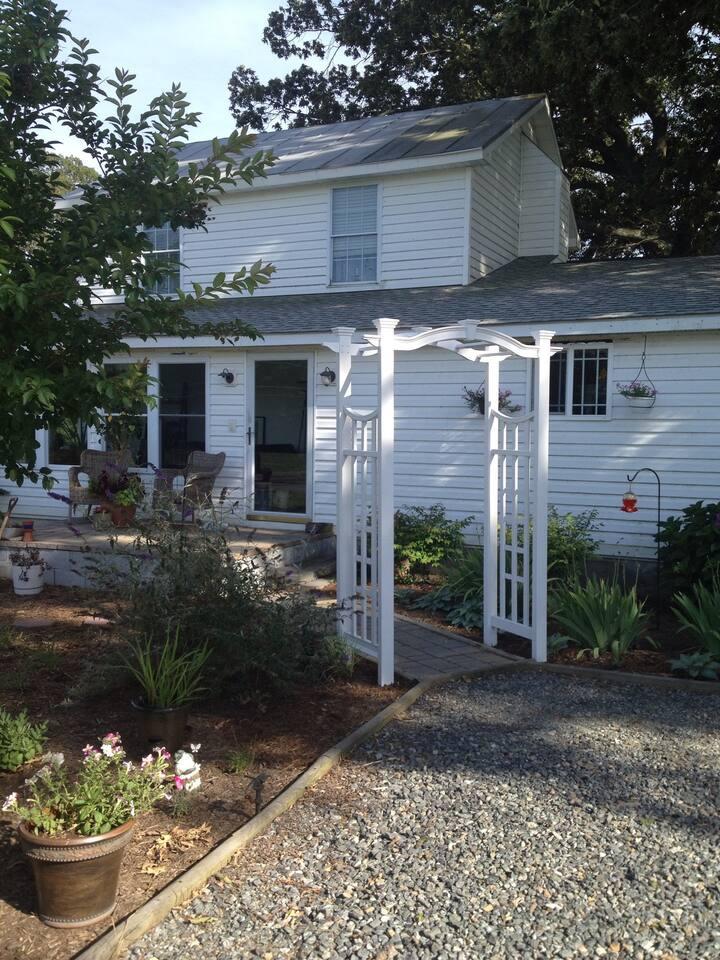Lillian's Place - Entire House