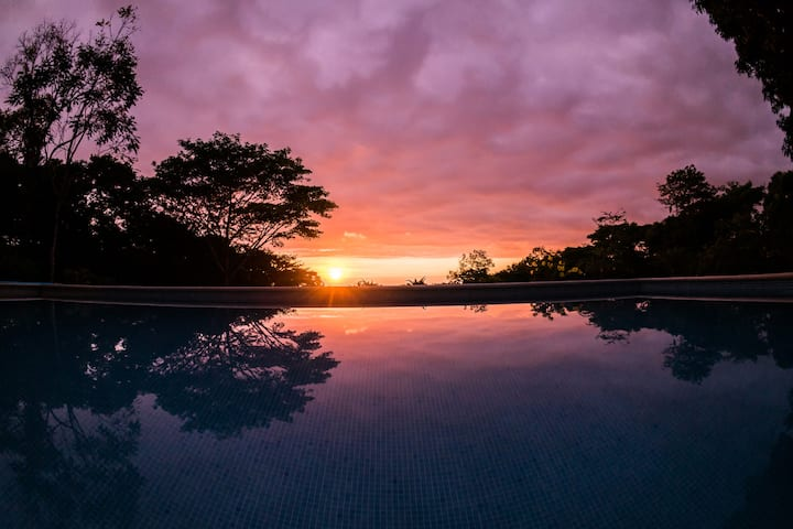Ocean Sunset View @ Tree of Life Cabinas