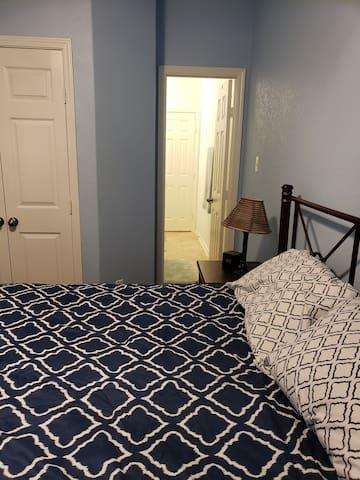 Room, bathroom, closet