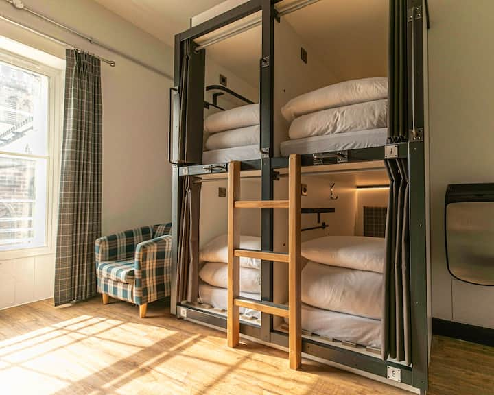 Pod in shared, female 8 bed dormitory - THE CoURT