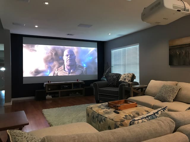 150 inch 4K Theatre, Family Entertainment Haven