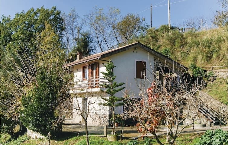 Holiday cottage with 2 bedrooms on 80 m² in Morigerati -SA-