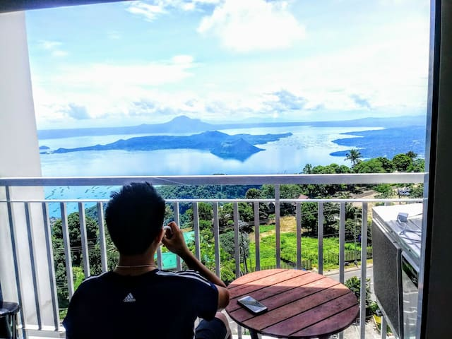 5 STAR Living Perfect Staycation - TAAL VIEW