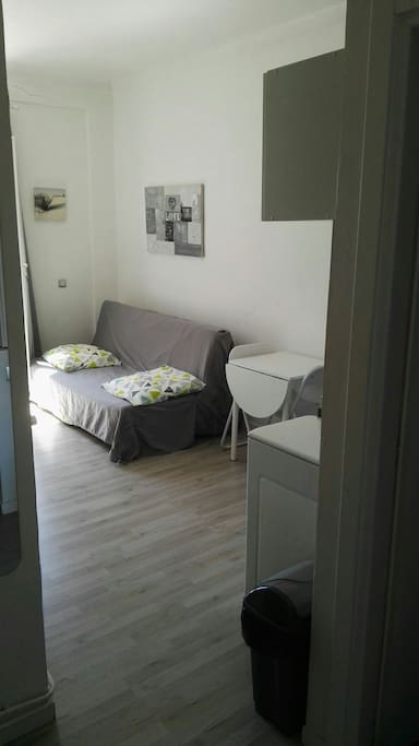 Beau studio meubl hyper centre appartements louer for Location studio meuble a nice