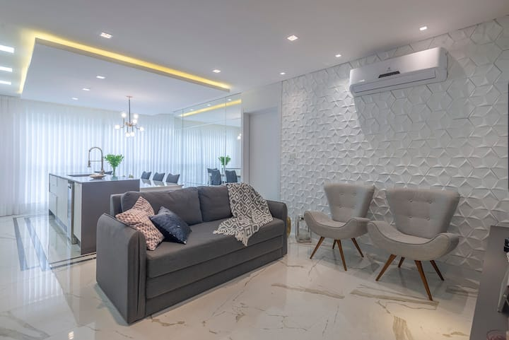 Apartamento novo com vista para o mar em Cabeçudas