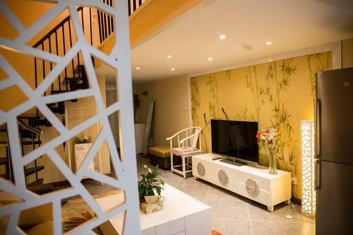 复式LOFT美宿1新中式精装高档公寓