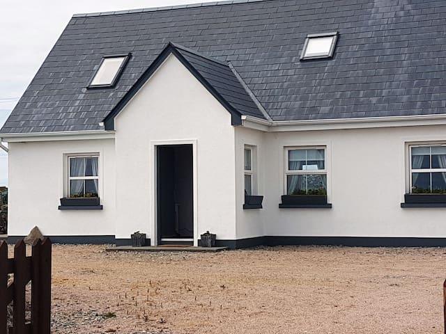 Muighinis Cottage (Mweenish)