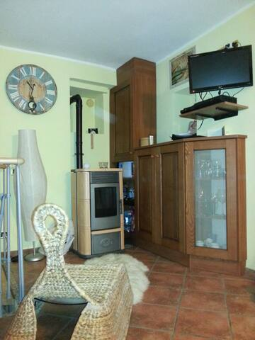 Casetta accogliente e ben disposta! - Caravonica - Apartamento