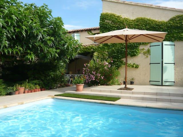 Villa avec piscine près Montpellier - Vailhauquès - Villa