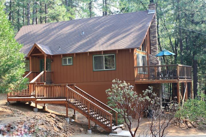 Uncle Timmy's Cabin, Wifi, great for family w/pets - Arnold - Kulübe