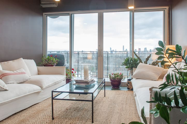 NYC Views! Luxury Loft, only Minutes to Midtown