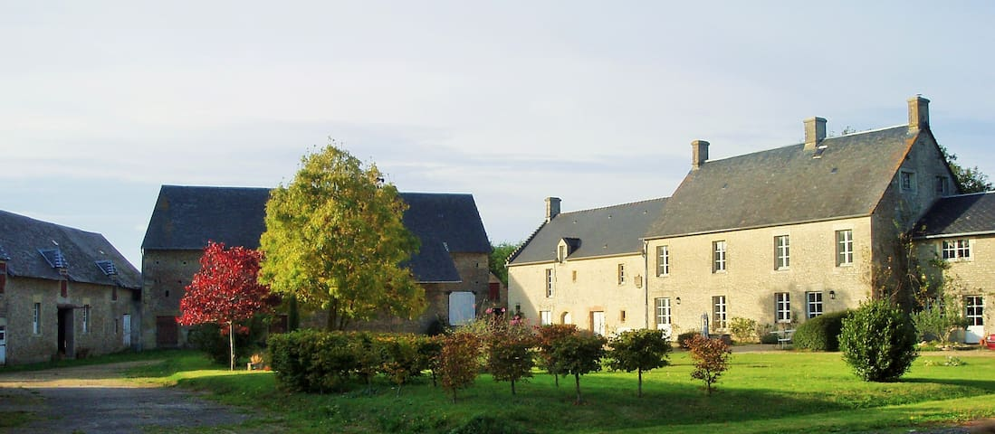 Historic house in Normandy - Meuvaines - Bed & Breakfast
