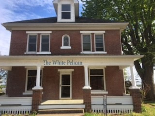 The White Pelican Inn-INQUIRE WINTER BOGO/B2G3