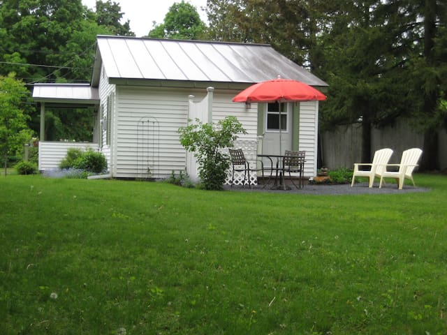 Nice one bedroom cottage - Middlebury - Casa