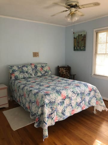 Third Bedroom with comfortable Full Bed