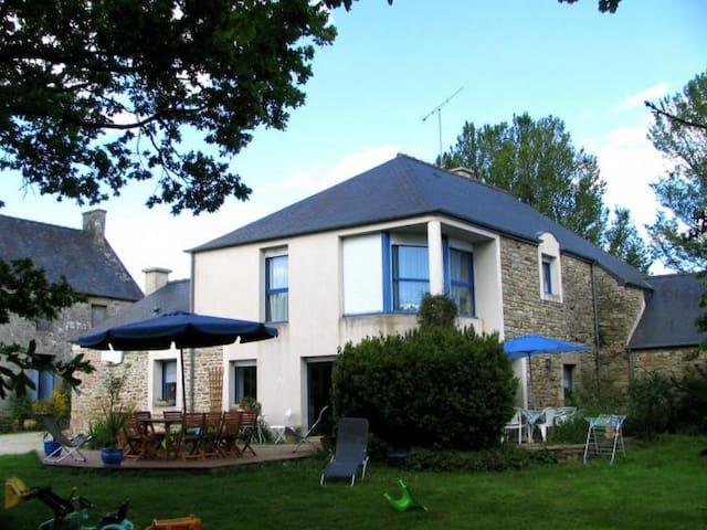 Maison au coeur de la Bretagne - Saint-Gouéno - Rumah