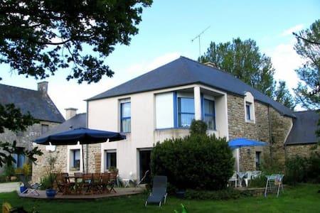 Maison au coeur de la Bretagne - Saint-Gouéno
