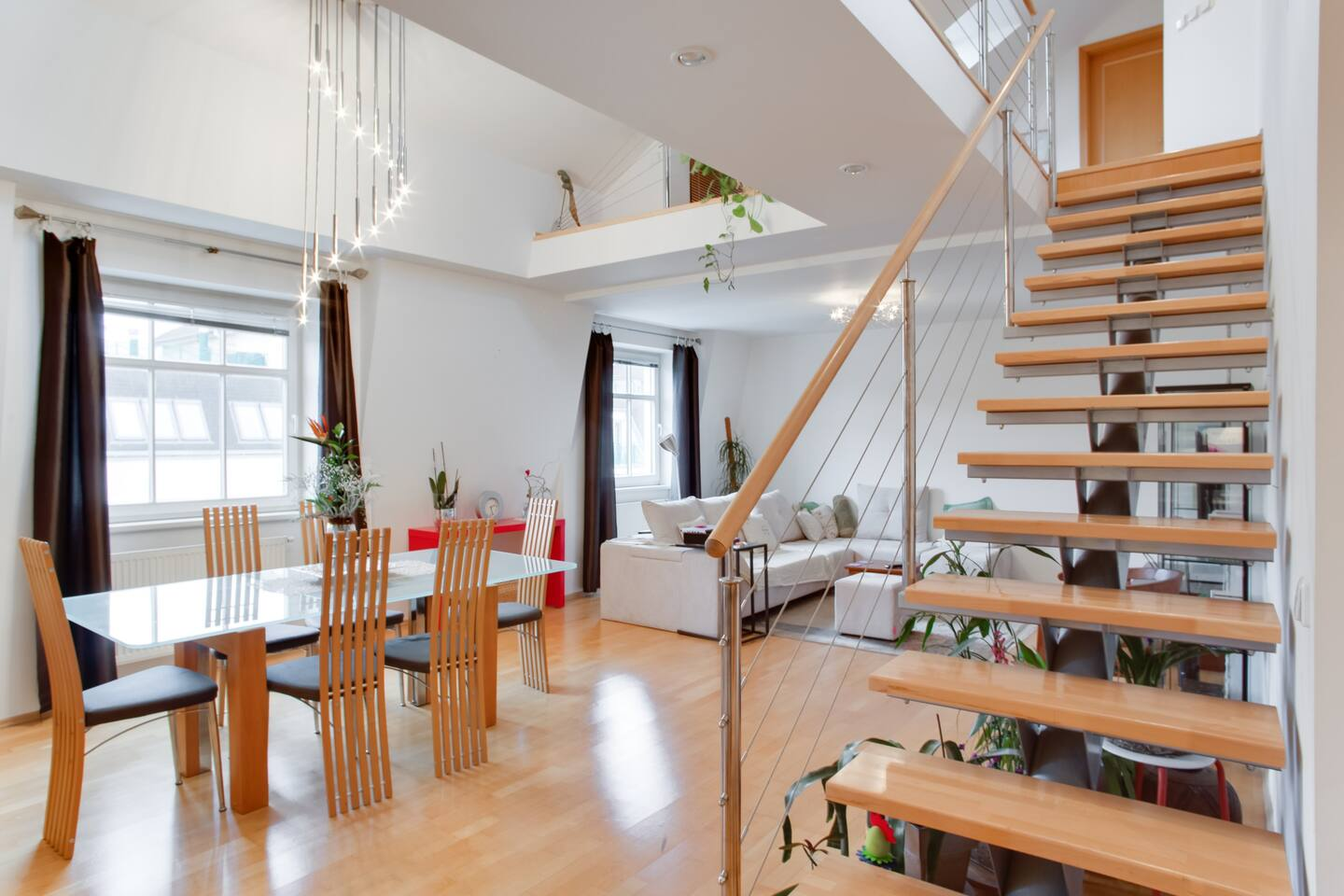 Duplex apt with 2 BDRM and terrace