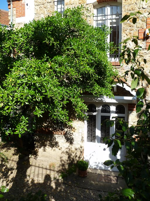 2 rooms flat in charming house apartments for rent in saint cloud le de france france - Parking porte de saint cloud ...
