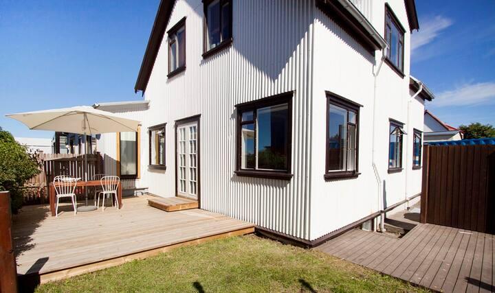 Beautiful Reykjavík House with a patio